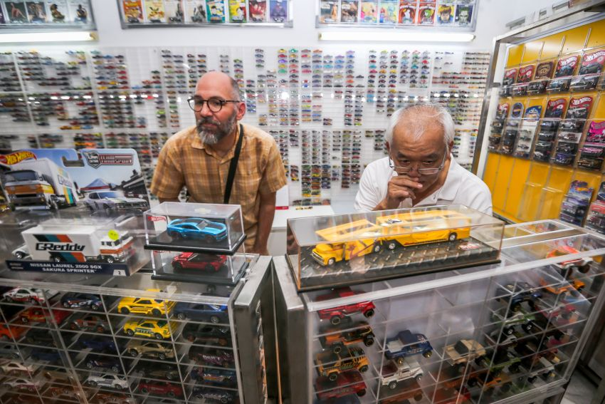 Malaysia's biggest Hot Wheels collector has over 10,000 pieces – cost RM100k, valued at RM200k-300k Image #1000687