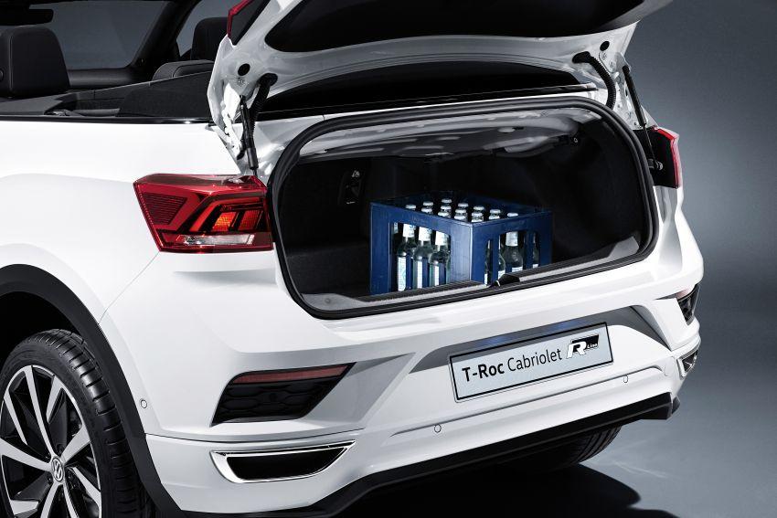 Volkswagen T-Roc Cabriolet – two petrol variants Image #1000798