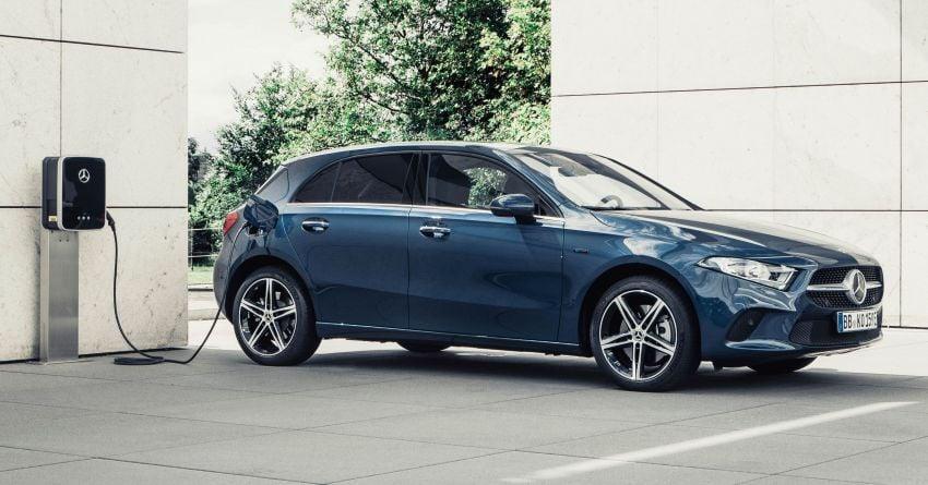 W177 Mercedes-Benz A250e plug-in hybrid debuts – joined by A250e Sedan and B250e; 70-77 km EV range Image #1003453