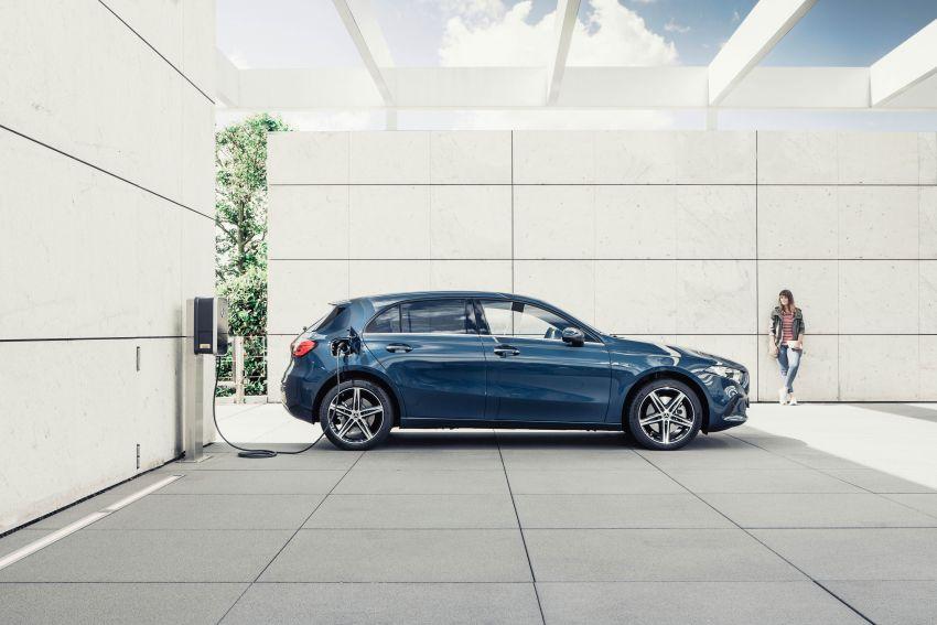 W177 Mercedes-Benz A250e plug-in hybrid debuts – joined by A250e Sedan and B250e; 70-77 km EV range Image #1003457