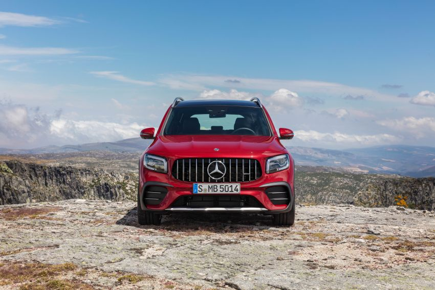 X247 Mercedes-AMG GLB 35 4Matic officially debuts – 302 hp and 400 Nm; zero to 100 km/h in 5.2 seconds Image #1008389