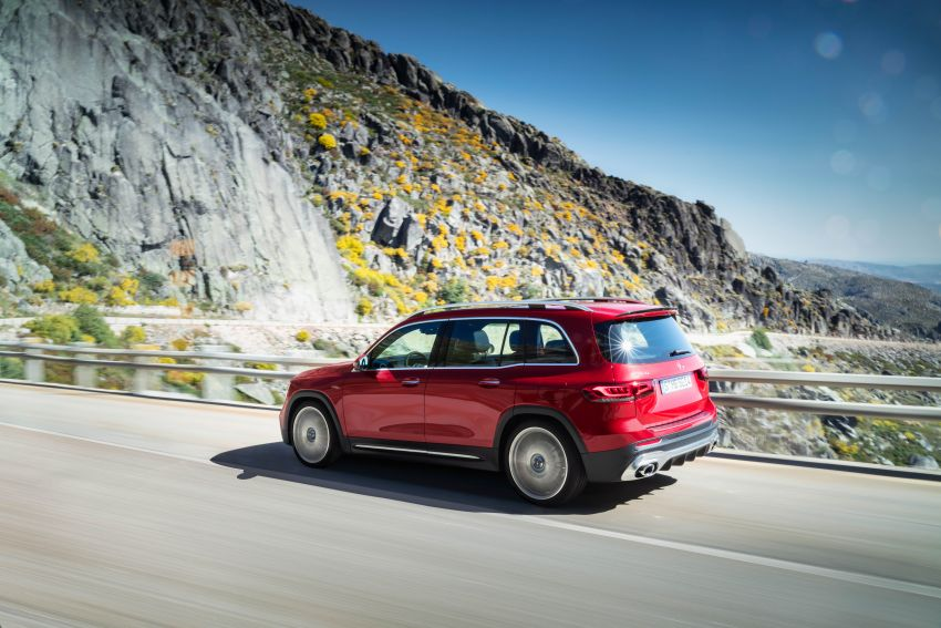 X247 Mercedes-AMG GLB 35 4Matic officially debuts – 302 hp and 400 Nm; zero to 100 km/h in 5.2 seconds Image #1008359