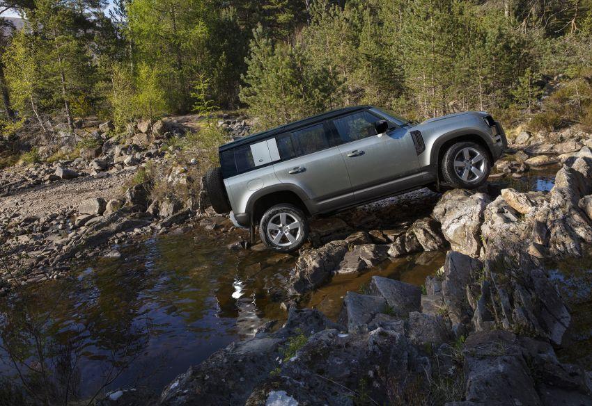 2020 Land Rover Defender debuts – aluminium monocoque, 3.0L mild-hybrid, OTA software support Image #1013207