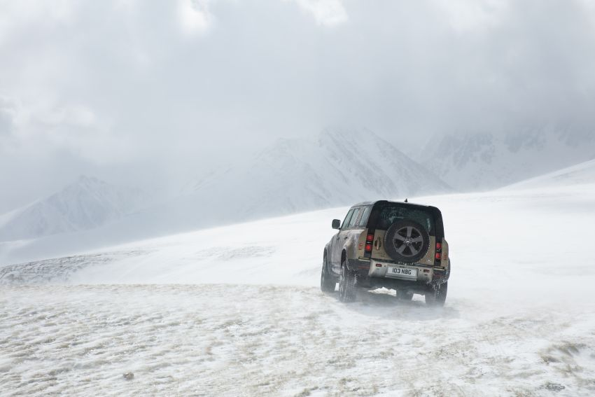 2020 Land Rover Defender debuts – aluminium monocoque, 3.0L mild-hybrid, OTA software support Image #1013193