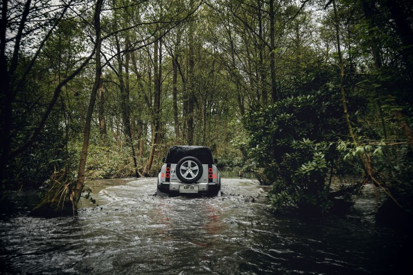 Land Rover Defender generasi baharu  muncul di Frankfurt 2019 – padat dengan segala teknologi terkini Image #1013737