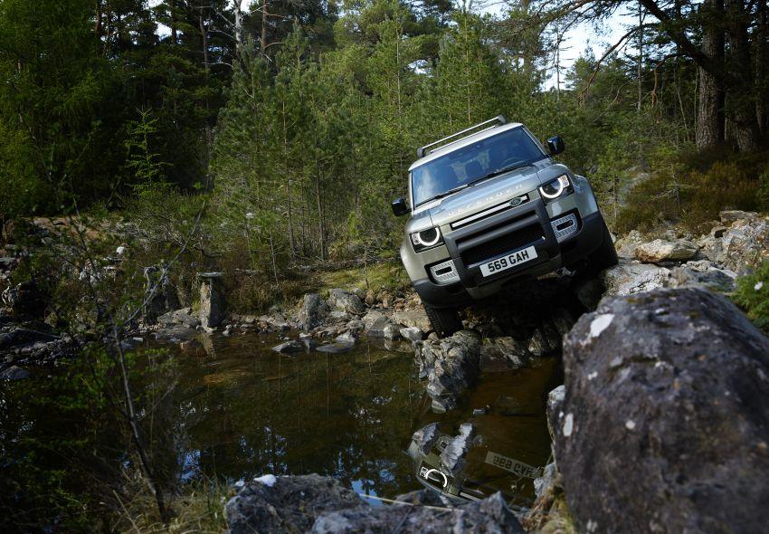 2020 Land Rover Defender debuts – aluminium monocoque, 3.0L mild-hybrid, OTA software support Image #1013232