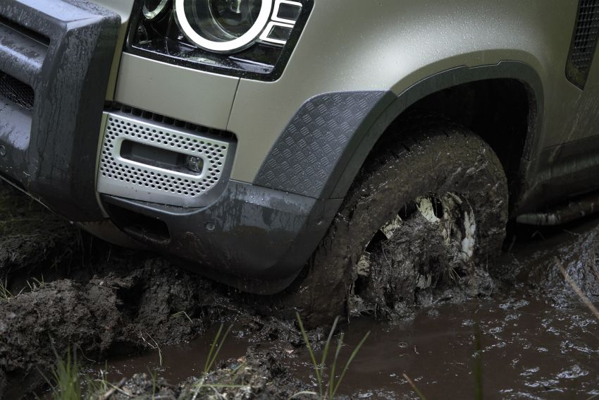 Land Rover Defender generasi baharu  muncul di Frankfurt 2019 – padat dengan segala teknologi terkini Image #1013662