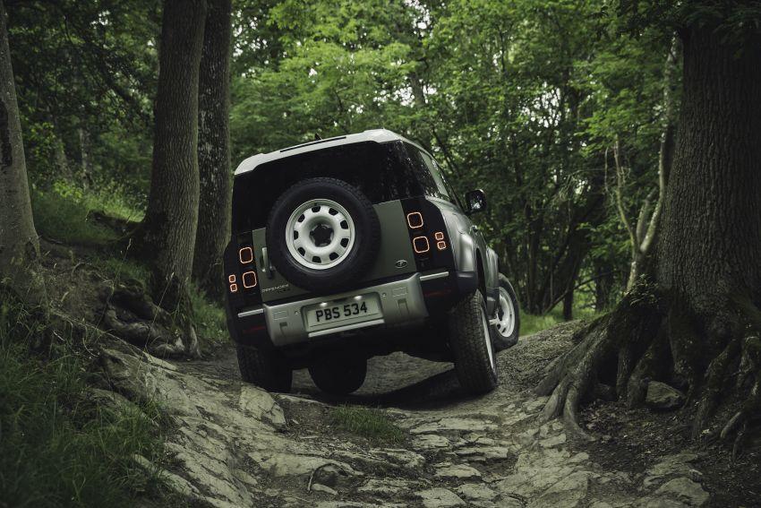 2020 Land Rover Defender debuts – aluminium monocoque, 3.0L mild-hybrid, OTA software support Image #1013250