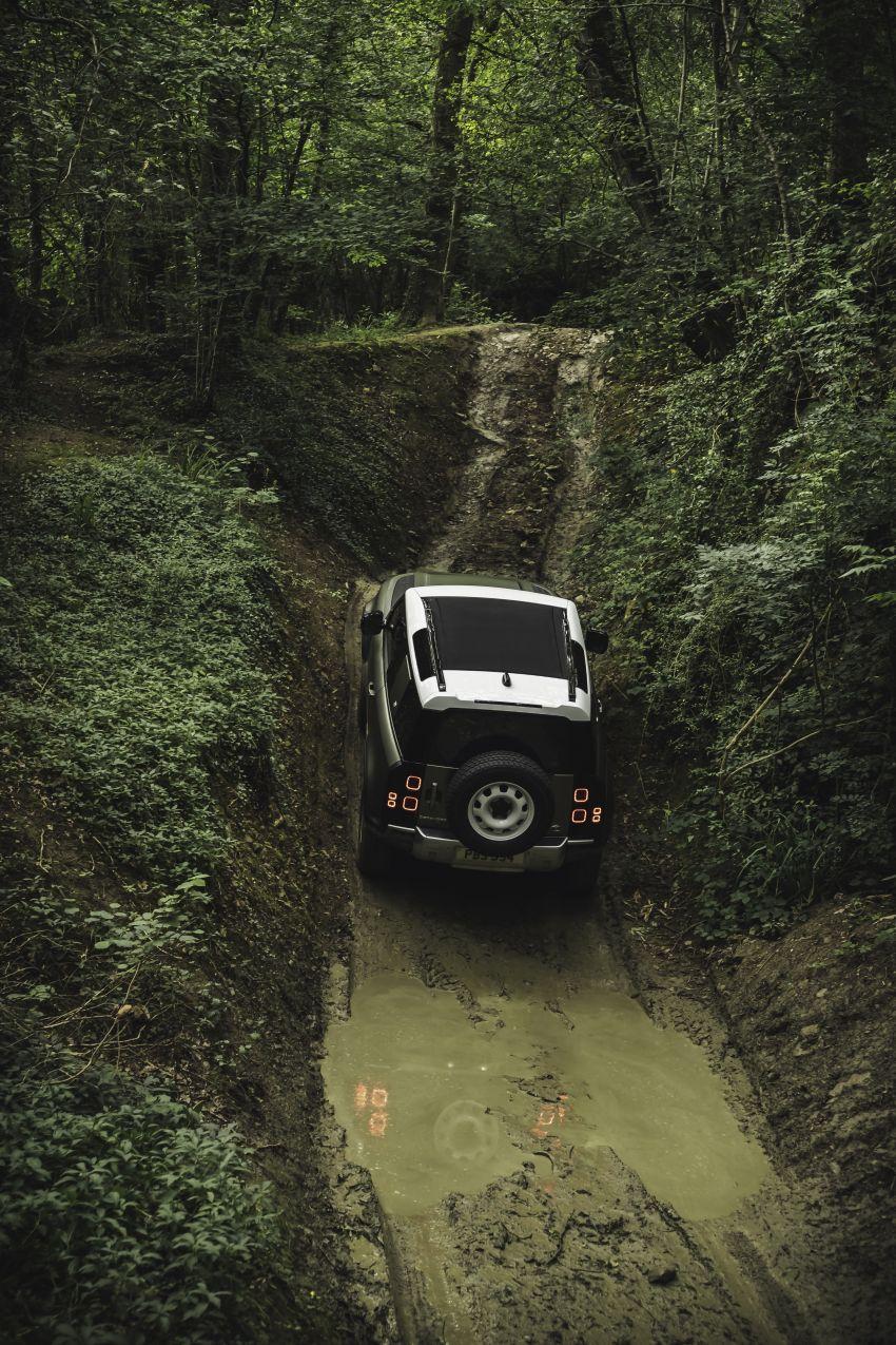 2020 Land Rover Defender debuts – aluminium monocoque, 3.0L mild-hybrid, OTA software support Image #1013258