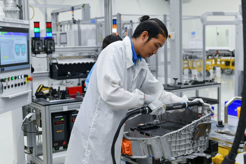 BMW Group Thailand commences local assembly of high-voltage batteries for plug-in hybrid models Image #1014762