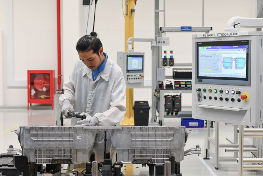 BMW Group Thailand commences local assembly of high-voltage batteries for plug-in hybrid models Image #1014763