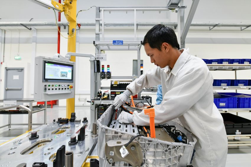BMW Group Thailand commences local assembly of high-voltage batteries for plug-in hybrid models Image #1014767