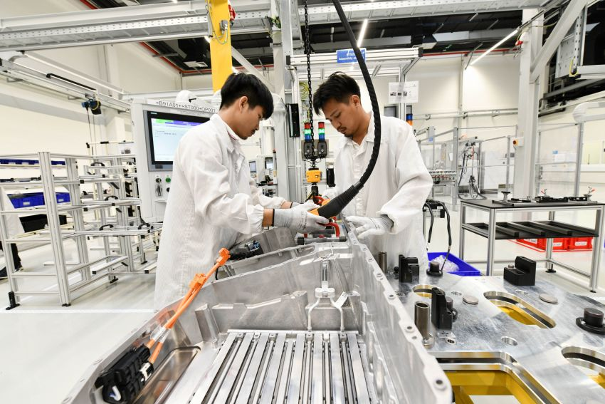 BMW Group Thailand commences local assembly of high-voltage batteries for plug-in hybrid models Image #1014770
