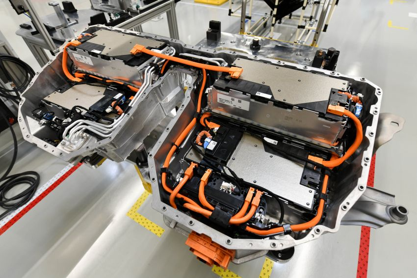 BMW Group Thailand commences local assembly of high-voltage batteries for plug-in hybrid models Image #1014773