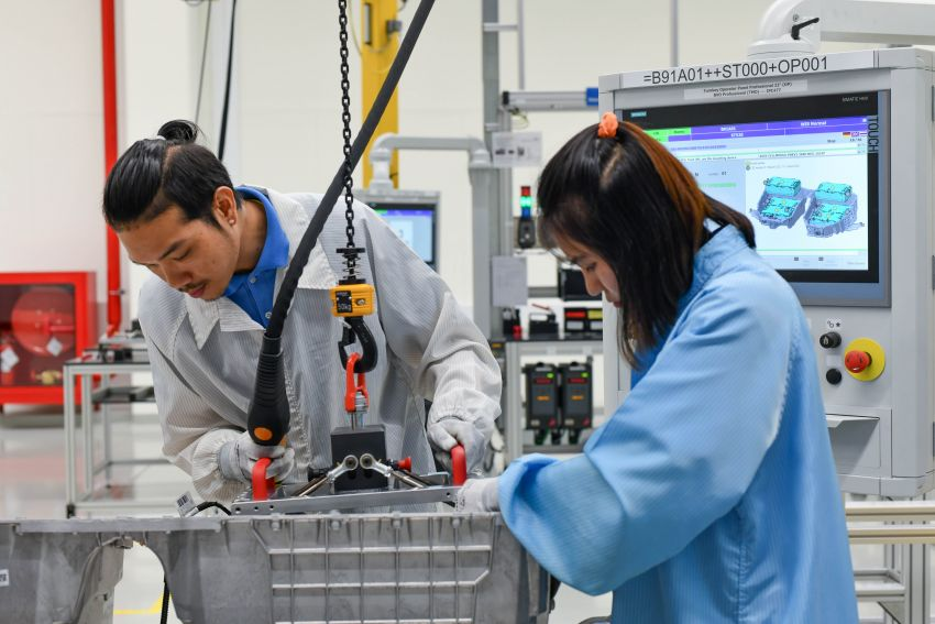 BMW Group Thailand commences local assembly of high-voltage batteries for plug-in hybrid models Image #1014761