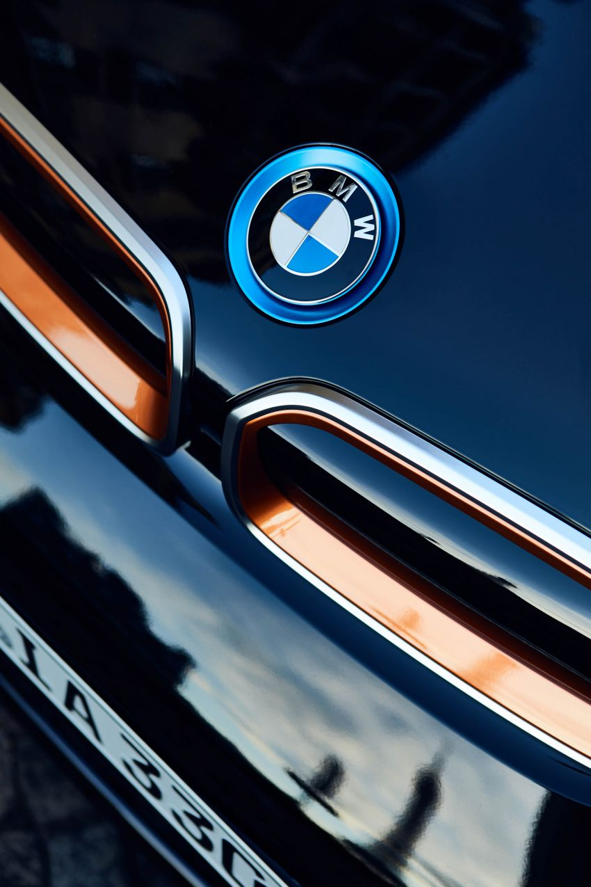 BMW i8 Ultimate Sophisto Edition and i3s Edition RoadStyle debut – i8 production to end in April 2020 Image #1010839