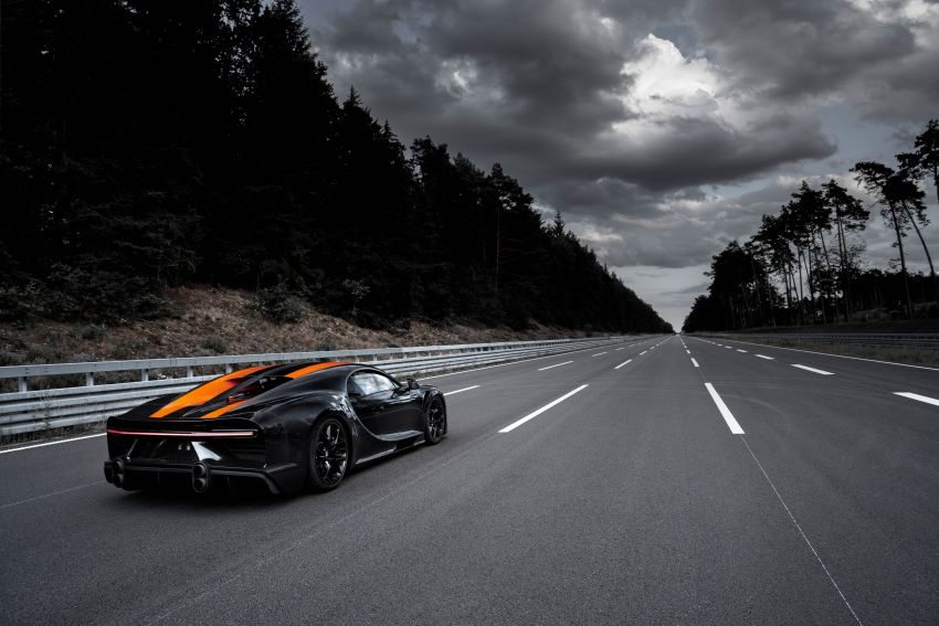 Bugatti Chiron is the new speed king – 490.484 km/h Image #1015935