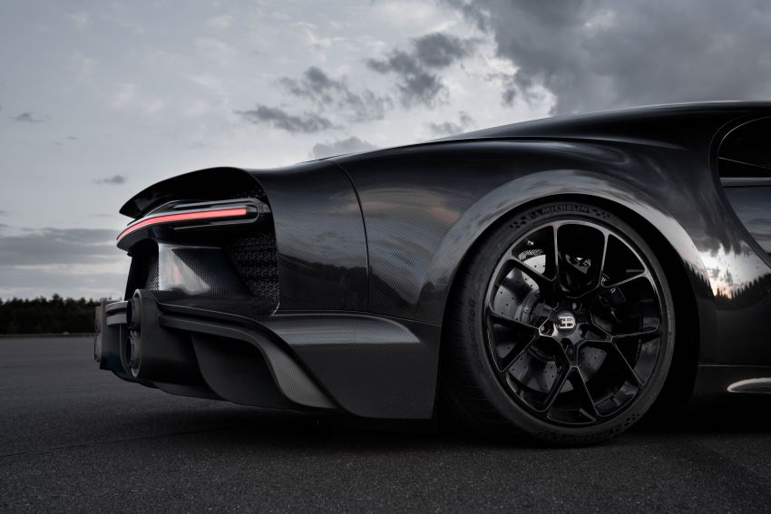 Bugatti Chiron is the new speed king – 490.484 km/h Image #1015940