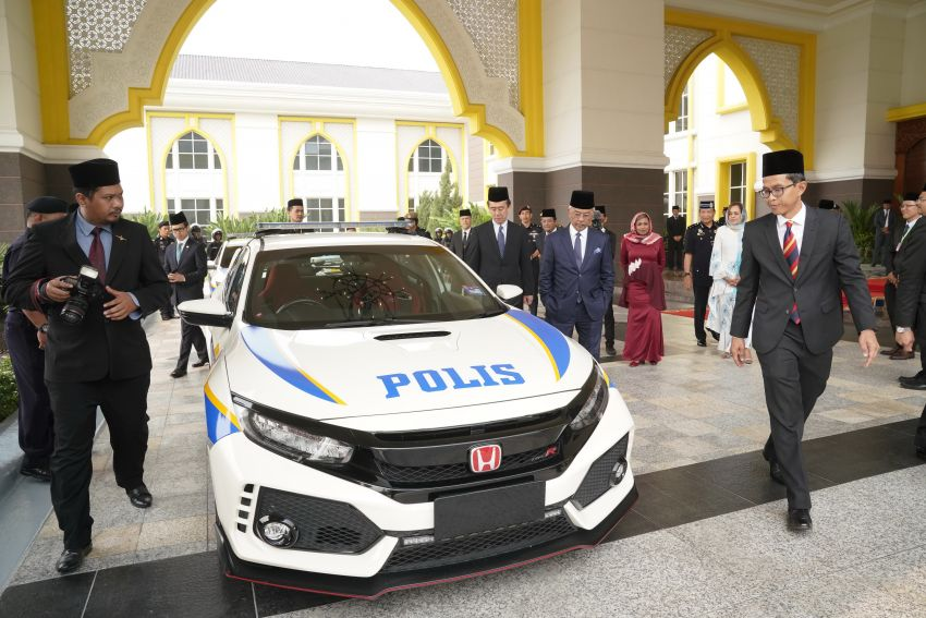 Honda Malaysia gifts Civic Type R escort car to Agong Image #1014287