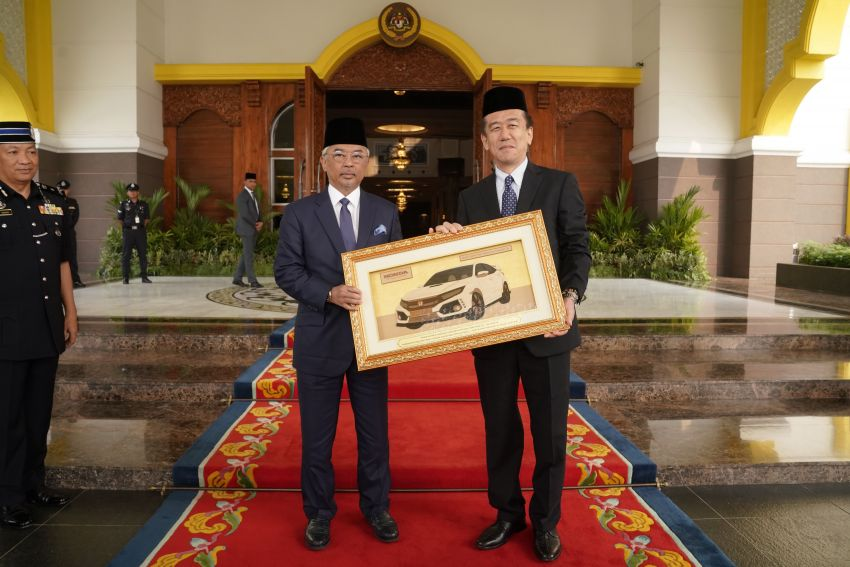 Honda Malaysia gifts Civic Type R escort car to Agong Image #1014289