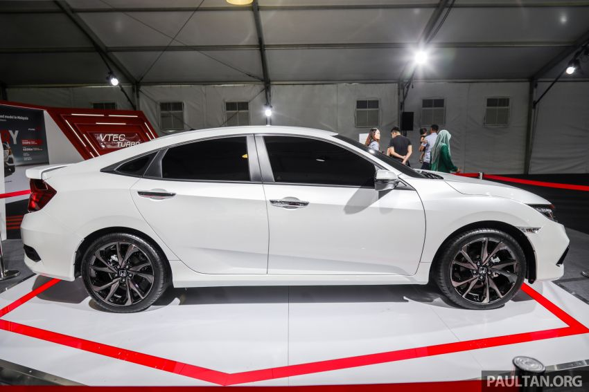 Honda Civic facelift previewed in Malaysia – now with Honda Sensing, boot spoiler and 18-inch alloy wheels Image #1022925
