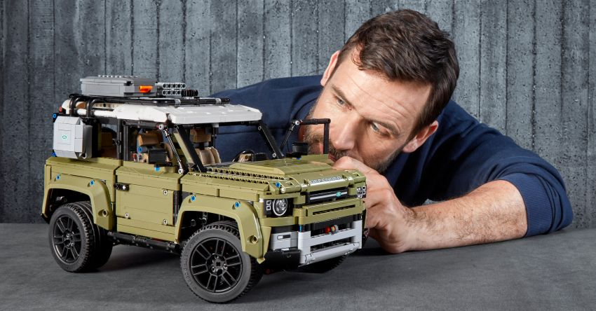 Lego Technic 2020 Land Rover Defender debuts – 2,573 pieces, straight-six, low-range gearbox, RM900 Image #1015319