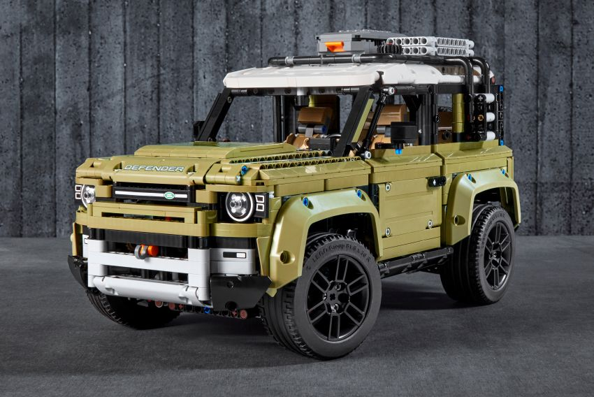 Lego Technic 2020 Land Rover Defender debuts – 2,573 pieces, straight-six, low-range gearbox, RM900 Image #1015328