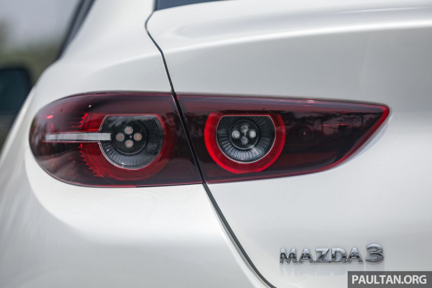 FIRST DRIVE: 2019 Mazda 3 Hatchback and Sedan – good car, but are those premium aspirations justified? Image #1017562
