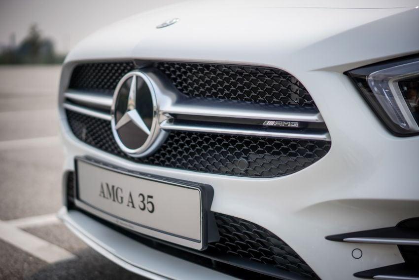 V177 Mercedes-AMG A35 4Matic Sedan launched in M'sia: 306 hp/400 Nm, 0-100 km/h in 4.8 secs, RM349k Image #1020238