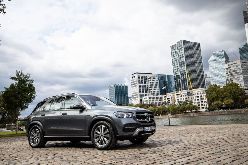 V167 Mercedes-Benz GLE 350de 4Matic and X253 GLC 300e 4Matic officially debut – as low as 1.1 l/100 km Image #1014316
