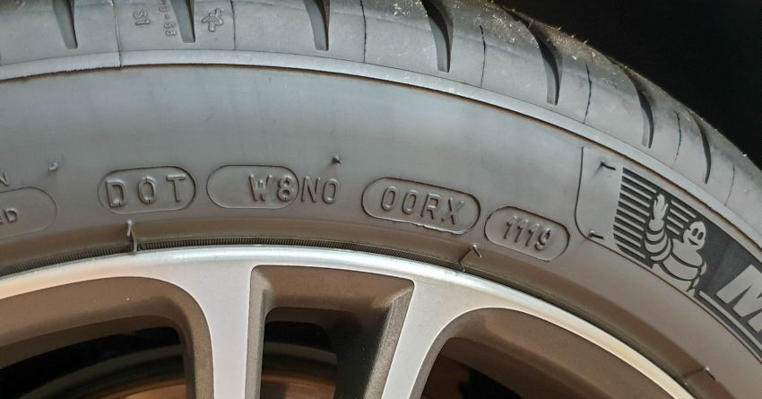 "Are new tyres stored for 2-3 years ""expired goods?"" Image #1021395"