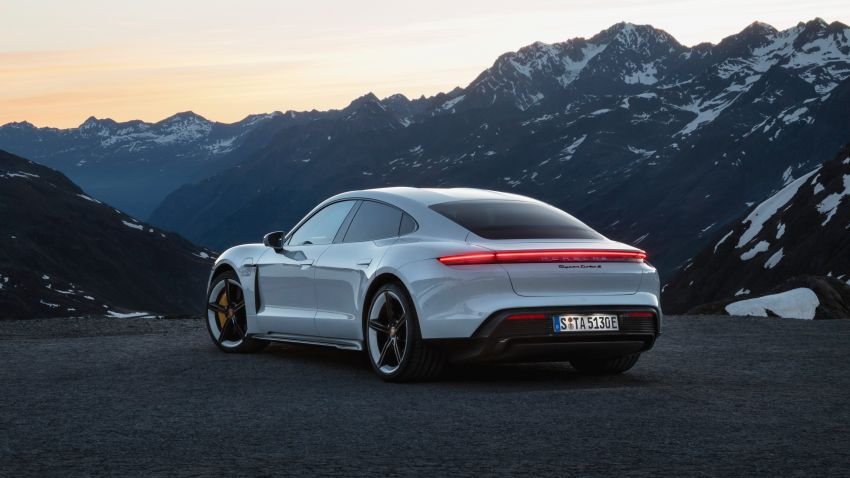 Porsche Taycan debuts – up to 761 PS, 1,050 Nm, 0-100 km/h in 2.8 seconds, 260 km/h, 450 km WLTP Image #1010989