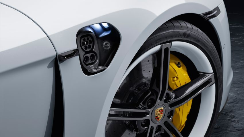 Porsche Taycan debuts – up to 761 PS, 1,050 Nm, 0-100 km/h in 2.8 seconds, 260 km/h, 450 km WLTP Image #1010992