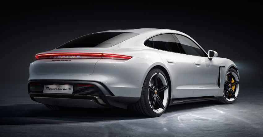 Porsche Taycan debuts – up to 761 PS, 1,050 Nm, 0-100 km/h in 2.8 seconds, 260 km/h, 450 km WLTP Image #1010993