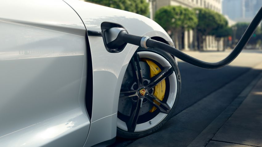 Porsche Taycan debuts – up to 761 PS, 1,050 Nm, 0-100 km/h in 2.8 seconds, 260 km/h, 450 km WLTP Image #1010994