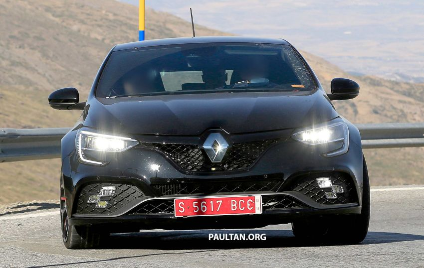 SPYSHOTS: Renault Megane RS facelift seen testing Image #1011273