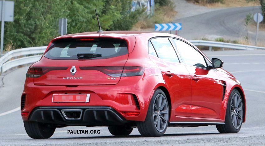 SPYSHOTS: Renault Megane RS facelift seen testing Image #1011276