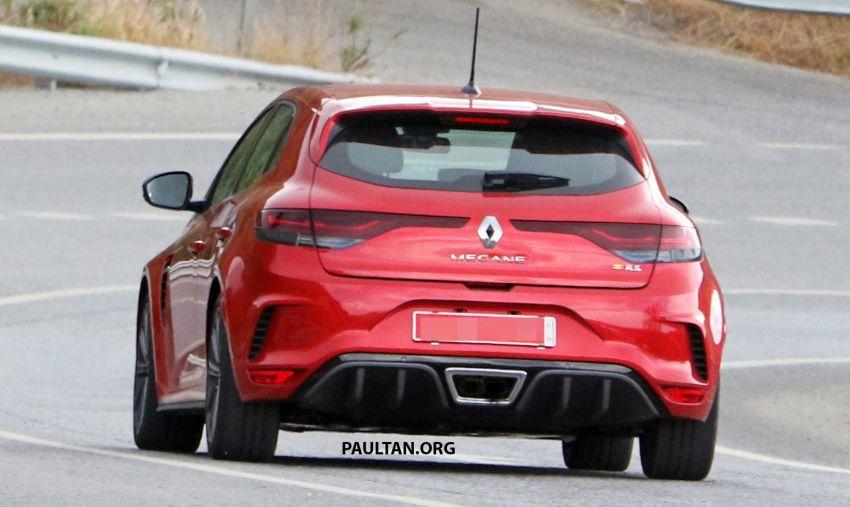SPYSHOTS: Renault Megane RS facelift seen testing Image #1011278