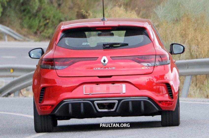 SPYSHOTS: Renault Megane RS facelift seen testing Image #1011290