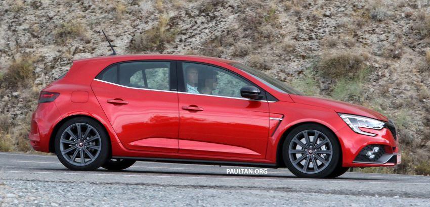 SPYSHOTS: Renault Megane RS facelift seen testing Image #1011266
