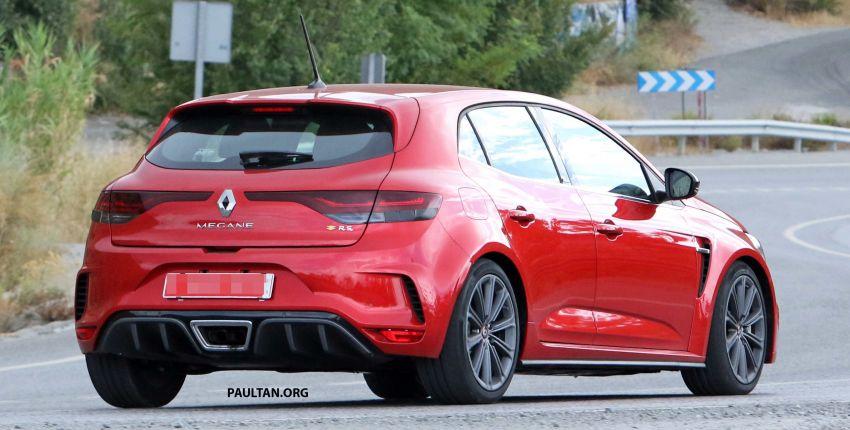 SPYSHOTS: Renault Megane RS facelift seen testing Image #1011274