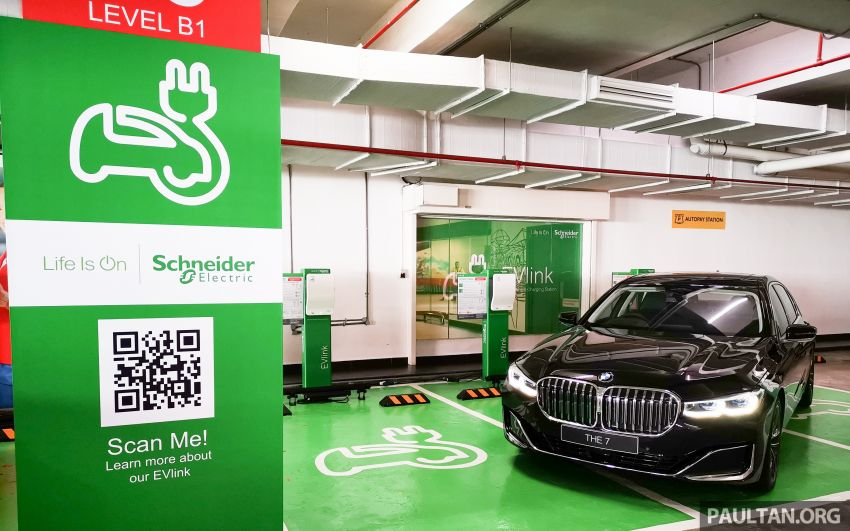 Schneider Electric Malaysia electric vehicle charging stations now at Genting Highlands Premium Outlets Image #1011475