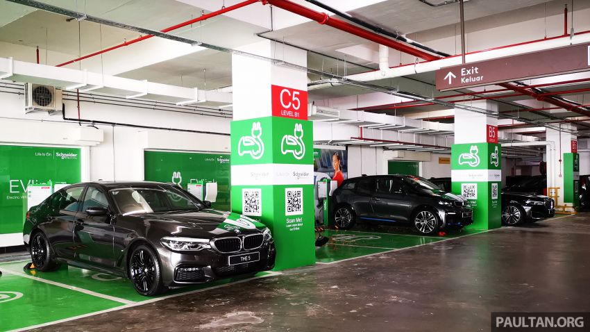 Schneider Electric Malaysia electric vehicle charging stations now at Genting Highlands Premium Outlets Image #1011470