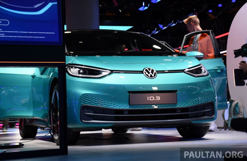 Volkswagen ID.3 pure electric car debuts – rear-wheel drive, up to 550 km range; from RM138k in Germany Image #1011640