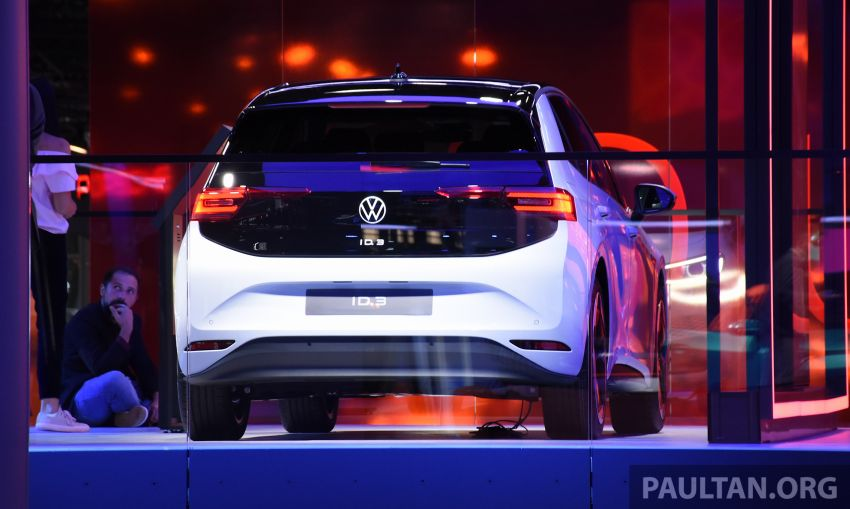 Volkswagen ID.3 pure electric car debuts – rear-wheel drive, up to 550 km range; from RM138k in Germany Image #1011643