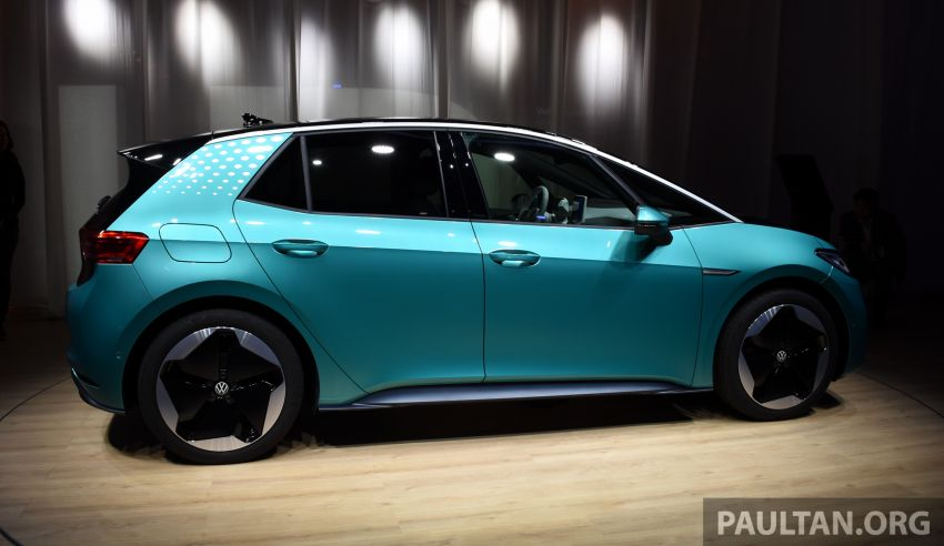 Volkswagen ID.3 pure electric car debuts – rear-wheel drive, up to 550 km range; from RM138k in Germany Image #1011630