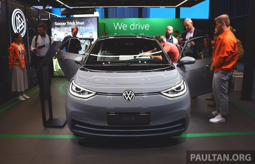 Volkswagen ID.3 pure electric car debuts – rear-wheel drive, up to 550 km range; from RM138k in Germany Image #1011660