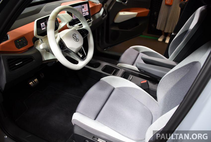 Volkswagen ID.3 – EV pacuan roda belakang, jarak gerak hingga 550 km, harga dari RM138k di Jerman Image #1012208
