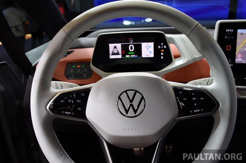 Volkswagen ID.3 – EV pacuan roda belakang, jarak gerak hingga 550 km, harga dari RM138k di Jerman Image #1012213