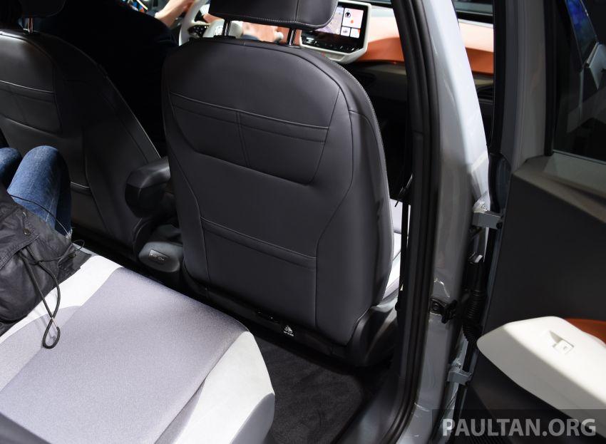 Volkswagen ID.3 – EV pacuan roda belakang, jarak gerak hingga 550 km, harga dari RM138k di Jerman Image #1012217